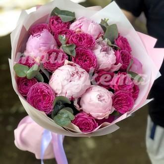Пионы с пионовидными розами