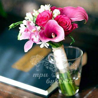 Букет невесты из роз, калл и орхидей