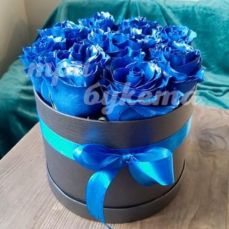 9 синих роз в коробке