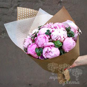 Светло-розовые пионы 11 шт.