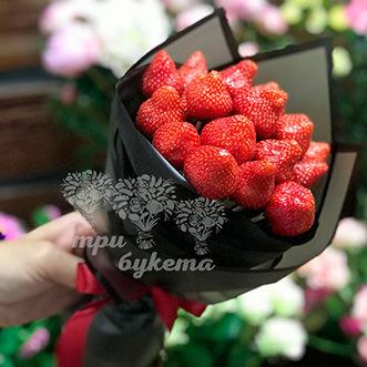 Букет из 16 ягод клубники