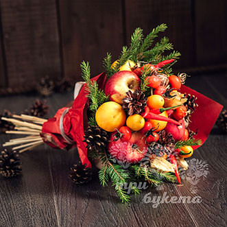 Новогодний букет из яблок и перцев